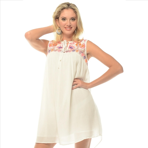 On-Trend Embroidered Dress - White SAMPLE