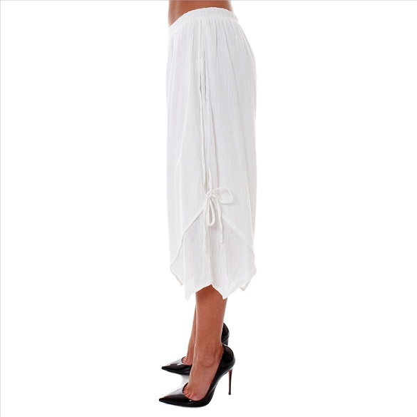 Chic Side-Tie Capris - White